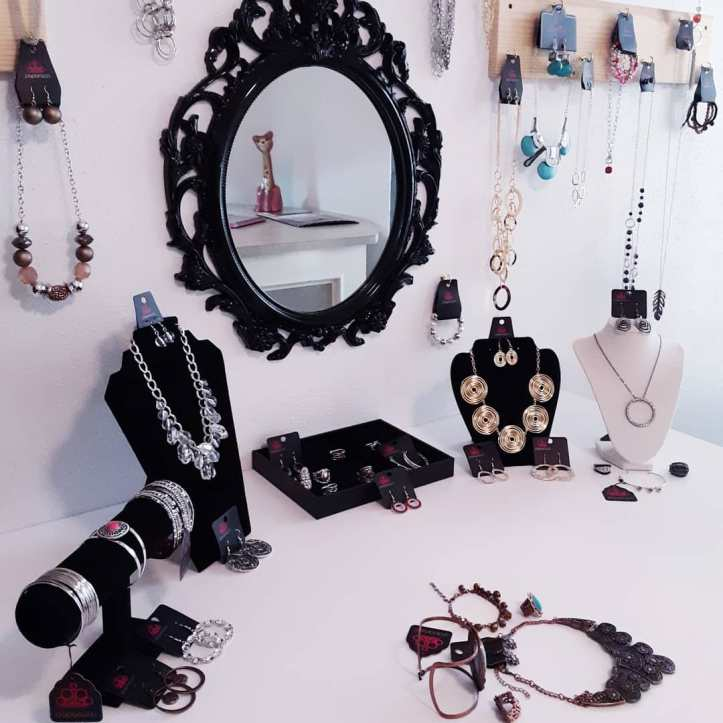 Welcome to Jfay's Paparazzi Jewelry Showroom