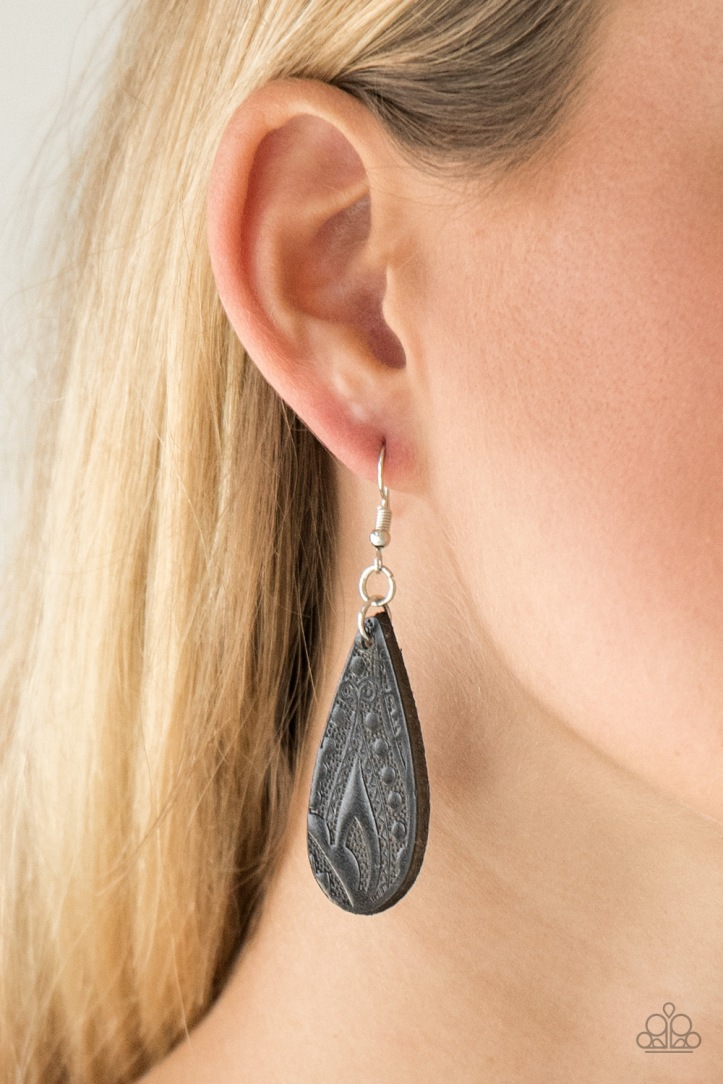 Get in the Groove Black Leather Earrings $5 my-bling.com