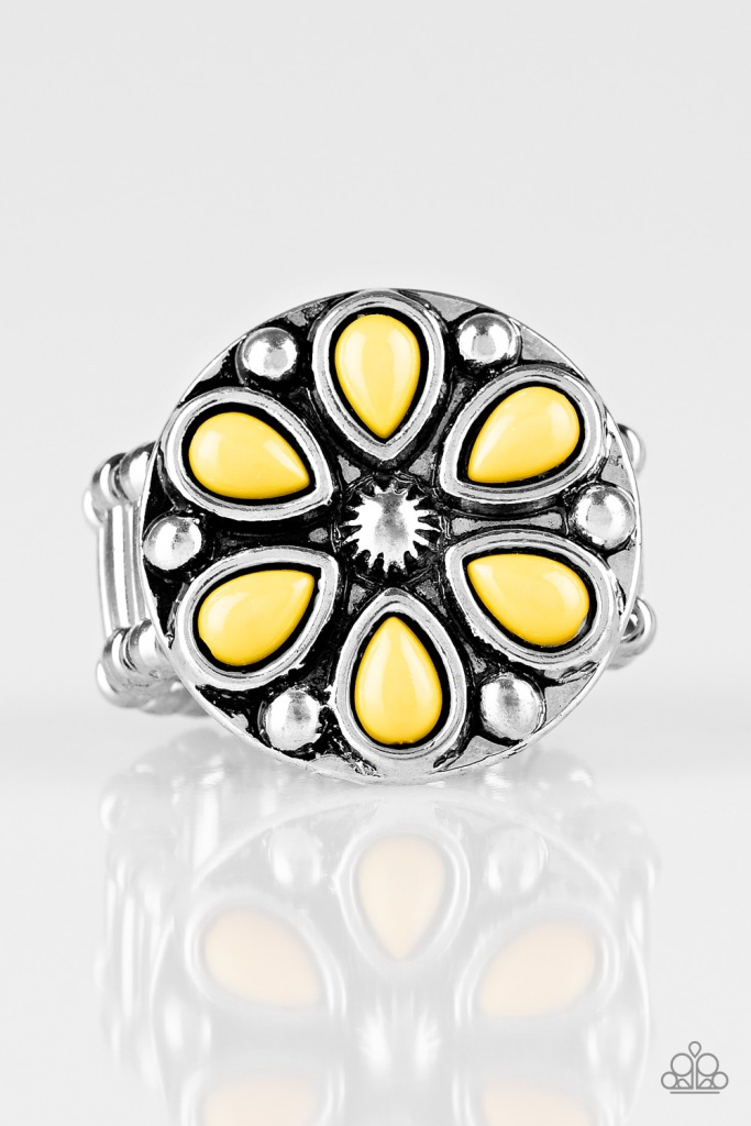 Color Me Calla Lilly Yellow Ring by Paparazzi $5 my-bling.com