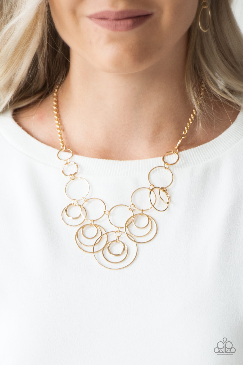 Gold Necklace with linking circles by Paparazzi $5.00 www.my-bling.com